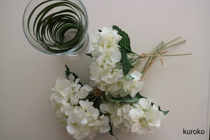 造花のアジサイとグリーン