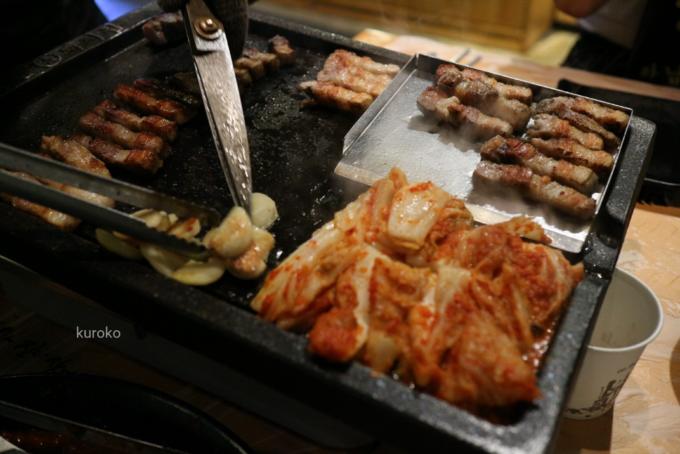 美味しそうに焼きあがったサムギョプサル