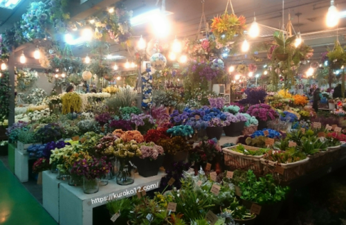 高速バスターミナルビル3階にある花市場の画像