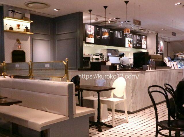 ロッテ百貨店ティラフェリーチェの内観画像